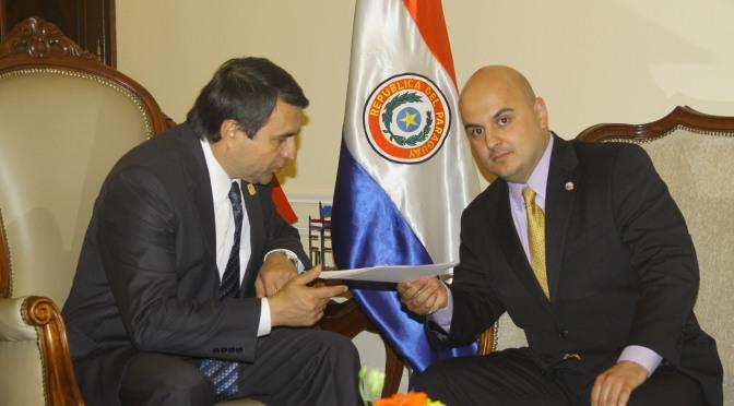 INTERVISTE ME PRESIDENTIN E PARAGUAIT DR.FEDERICO FRANKO