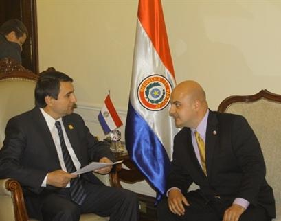 Presidenti i Paraguait flet për Kosova Info