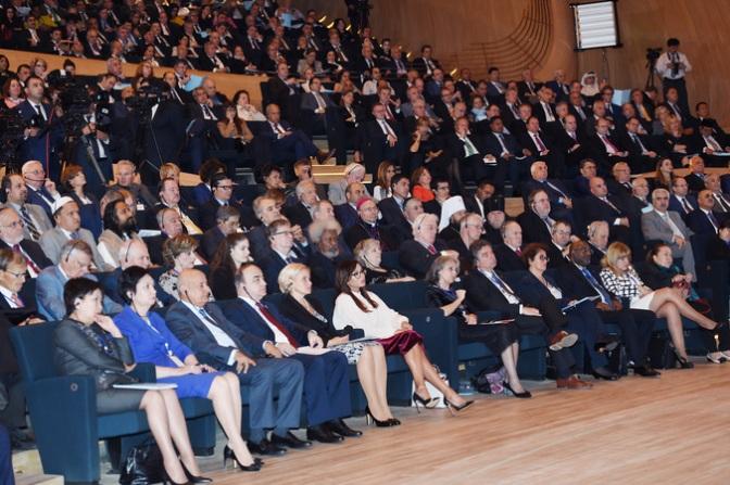 peter-tase-in-baku-sept-29-2016-azerbaijan-baku-international-humanitarian-forum-2016-1